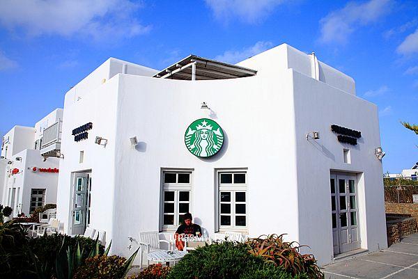 【希臘自助行】米克諾斯星巴克門市Starbucks Mykonos,全白色的starbucks整個很有質感,想在希臘愛琴海群島收集城市杯,只有米島才有可收藏唷,星巴克米克諾斯城市杯 @upssmile向上的微笑萍子 旅食設影
