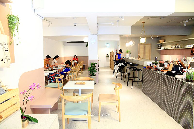 Thursday Cafe拜喜咖啡,捷運永安市場站韓風咖啡館,永和老屋咖啡館,中永和選物店,2020新開幕咖啡館 @upssmile向上的微笑萍子 旅食設影