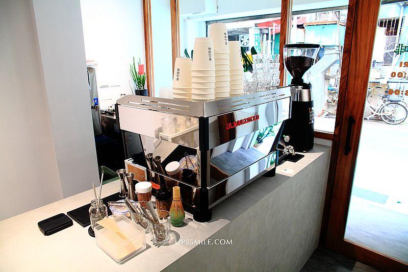 香瓜咖啡Melon Coffee,南京復興站簡約日系風咖啡館,戚風蛋糕100元,百元咖啡廳,台北咖啡外帶 @upssmile向上的微笑萍子 旅食設影